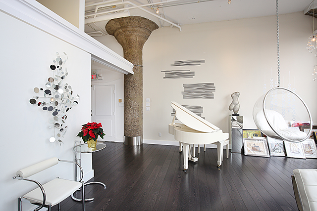 foyer piano and swing