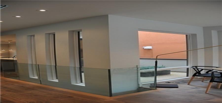 Toronto,Ontario M4C5K9,3 Bedrooms Bedrooms,4 BathroomsBathrooms,Detached,Gledhill,E4272333