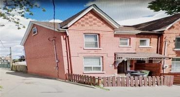 Toronto, Ontario M4M2B8, 3 Bedrooms Bedrooms, ,2 BathroomsBathrooms,Att/row/twnhouse,Sale,Munro,E5224007