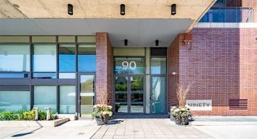 Toronto, Ontario M4M0A7, 2 Bedrooms Bedrooms, ,2 BathroomsBathrooms,Condo apt,Sale,Broadview,E5234048